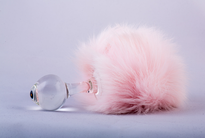 butt-plugs-with-pink-fluffy-furball-at-the-end